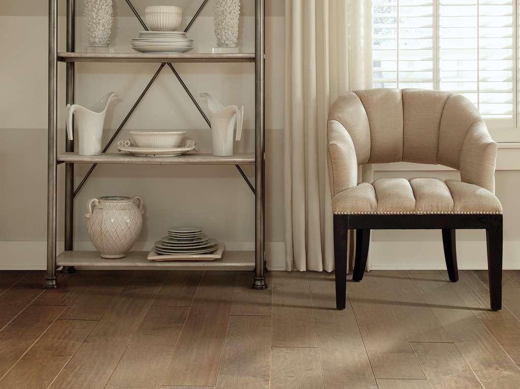 Tb Terrace Maple Hardwood - Buckskin Room Scene Image